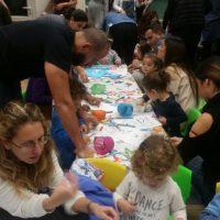 פעילות קישוט תיקי ספר משותפת להורים וילדים, מעון ויצו שקד נהריה