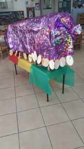 במעון ויצו כלנית בתל אביב הכינו מפלצת סגולה עם הילדים